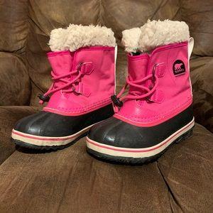 Girls Sorel Yoot Pac snow boots size 13.